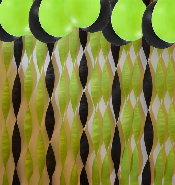 Kiwi Green & Black Streamers and Balloon Set