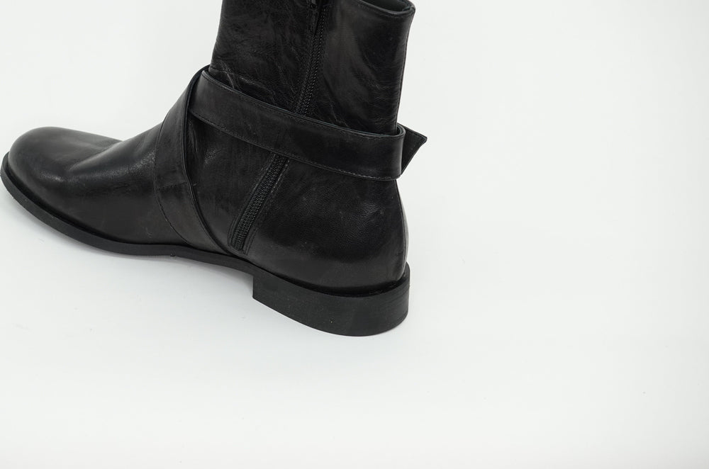 PAOLA BLACK LEATHER boots andreacarrano