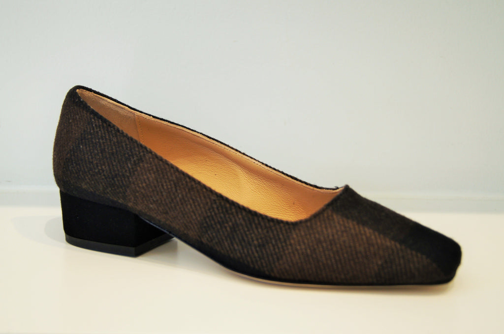 MYRA BROWN AND BLACK TWEED