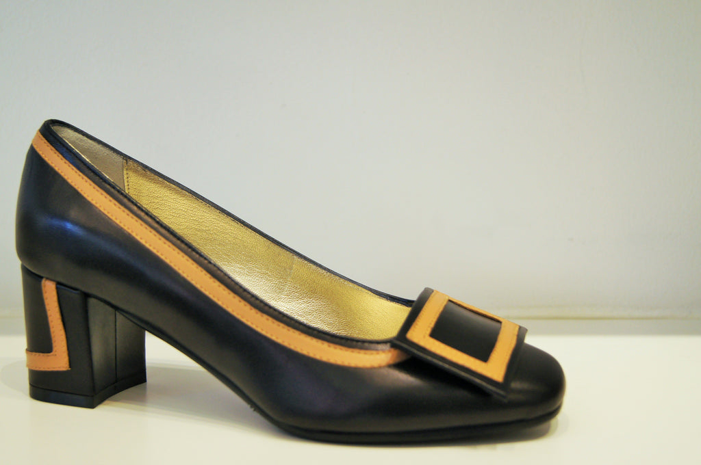 VOLA BLACK LEATHER WITH CAMEL Heels andreacarrano