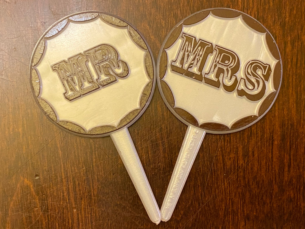 24 Mr & Mrs Western Cupcake Topper Picks