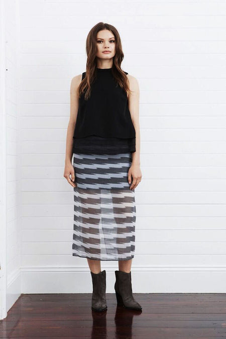 Third Form - Tie Down Skirt