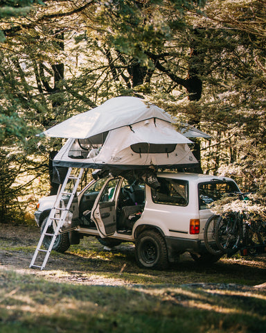 Crow's Nest Regular Rooftop Tent - Grey/Black