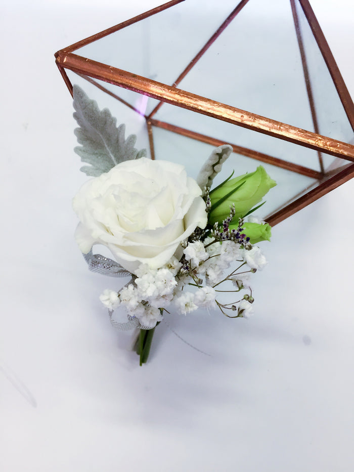 groom boutonniere, wedding corsage for the groom