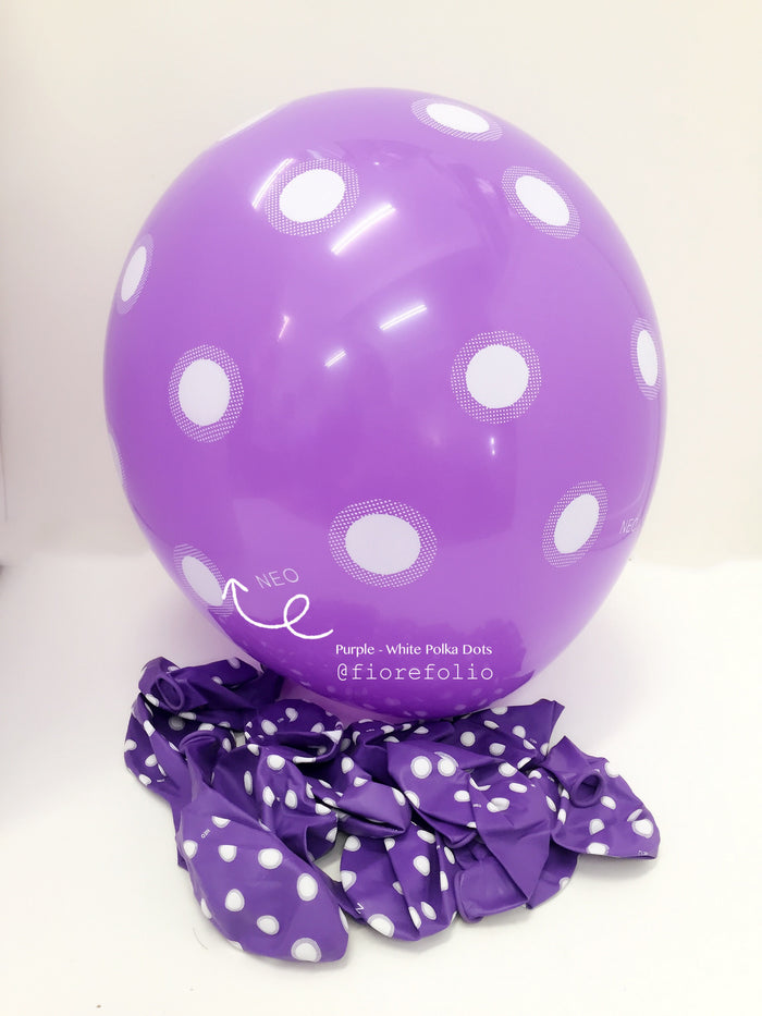 Purple polka dot party balloon