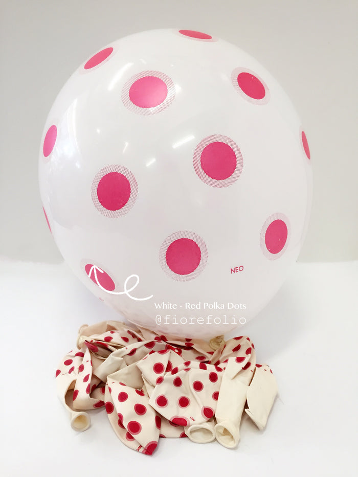 white polka dot party helium balloon