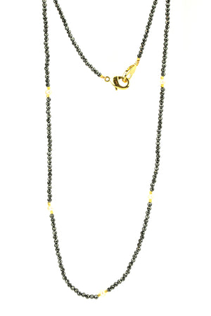 Black And Pearl Mask Chain