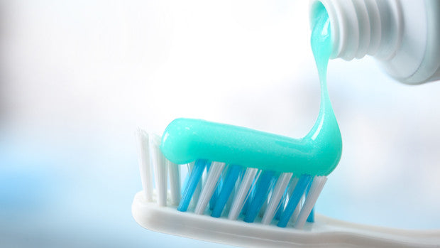 Toxic Ingredients Commonly Found in Toothpaste | RADIUS