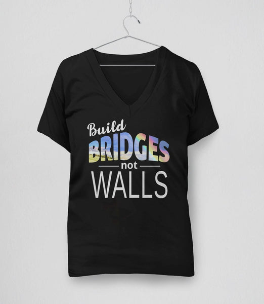 Build Bridges Not Walls typography t-shirt - black v-neck