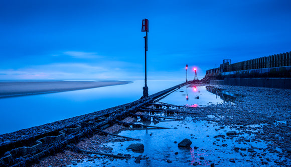 blue light at the mouth of the Rother