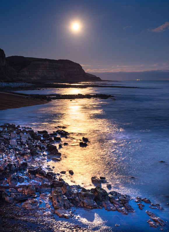 moonrise over Rock-a-Nore Hastings 2