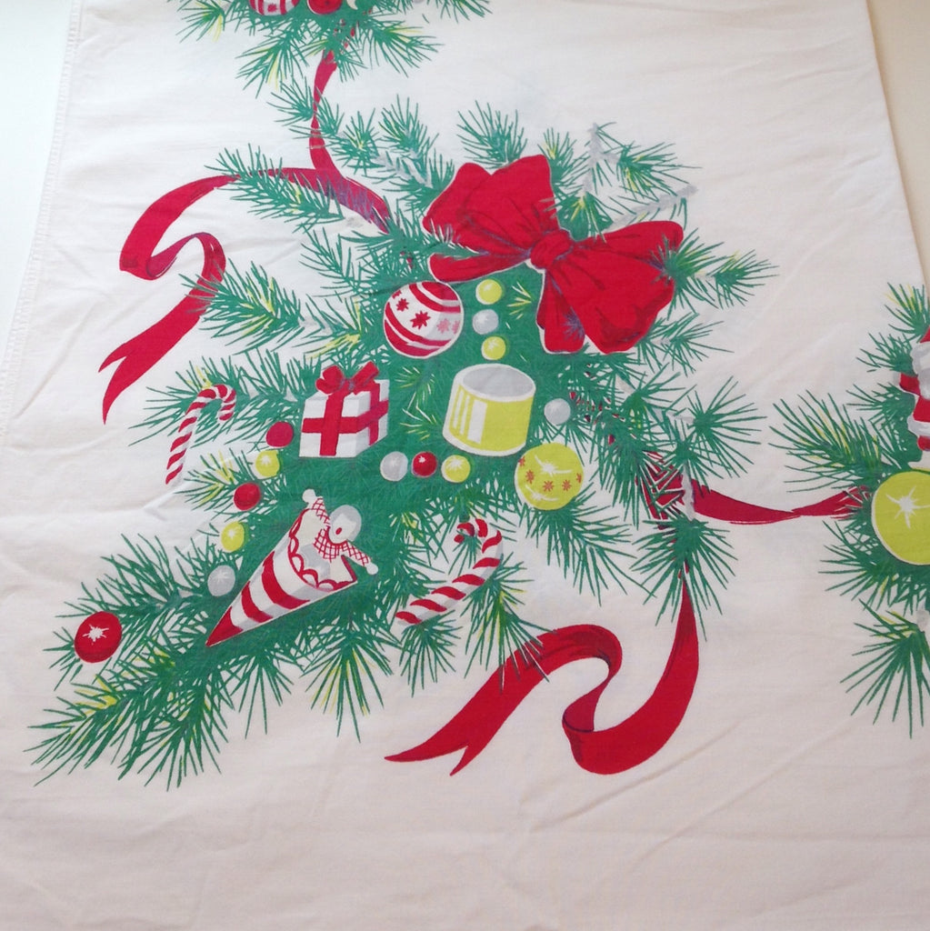 Vintage Christmas Tablecloths – Lavender and Old Lace
