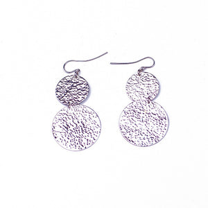 Doadoa Earrings - Silvertone