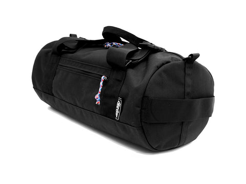 Duffel side on in Black