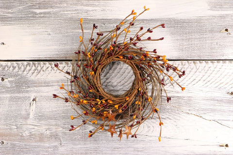 "Pip Berry, Twig, & Star Wreath, 10"" - Burgundy & Gold"