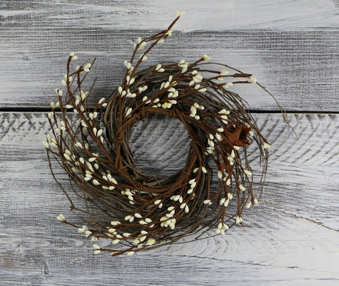 "Pip Berry & Rusty Star Small Wreath/Candle Ring, 10"" - Ivory"