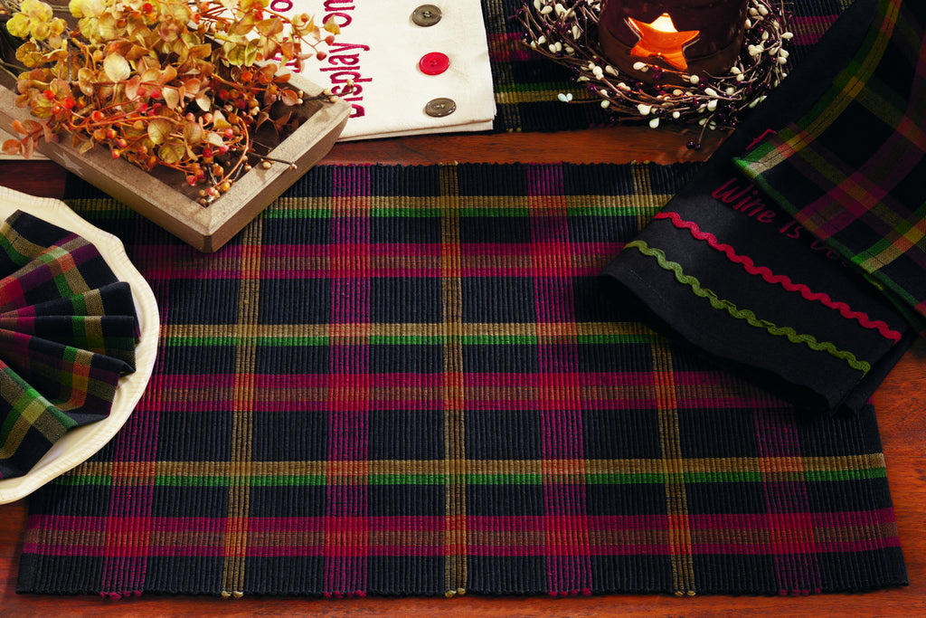 Bramble Short Table Runner