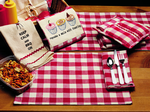 Picnic Red Short Table Runner