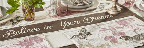 Cottage Grove Table Runner