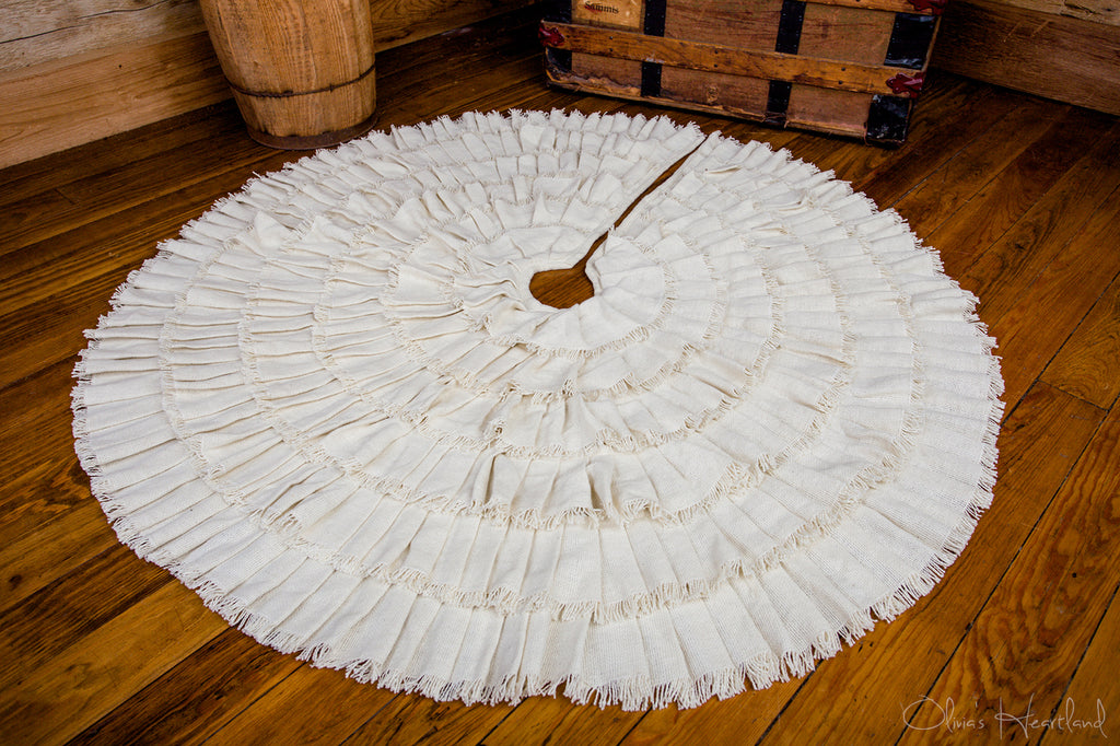 deluxe-creme-burlap-tree-skirt