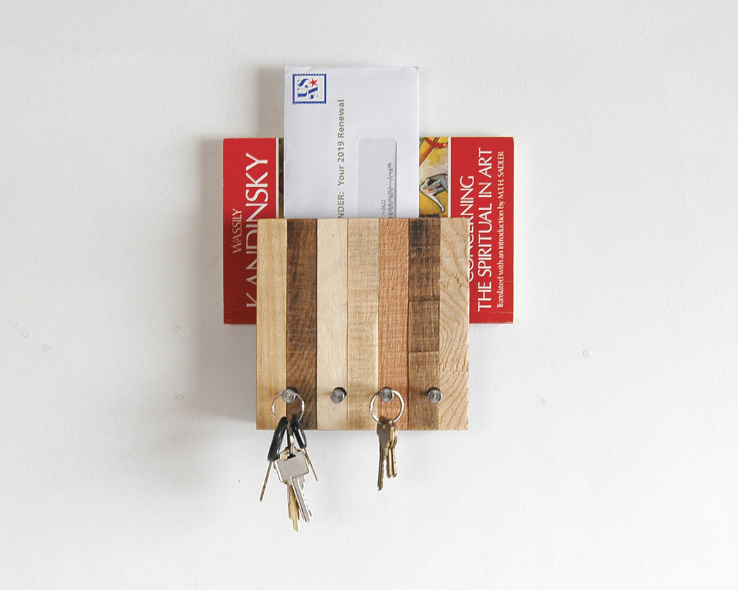 Entryway Mail and Key Organizer - Vertical Pattern
