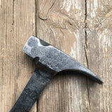 Integral claw hammer