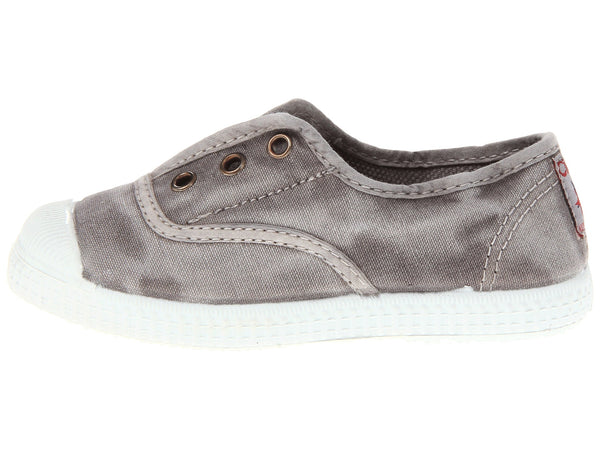 grey canvas sneaker