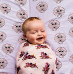 Kip&Co x Hugo Loves Tiki Swaddle | Clams - Green Hearts Pink