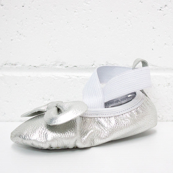 From Zion Ballet Mocs | Silver - Green Hearts Pink