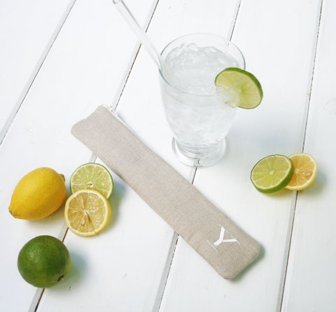 Reusable Straw Pouch in Lovely Linen, Personalized Reusable Straw Case, Bag for Straws in Tan or Grey linen with initial - Oh! Koey