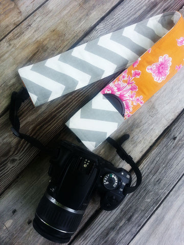 Field of Flowers Padded Camera Strap Cover - Oh! Koey