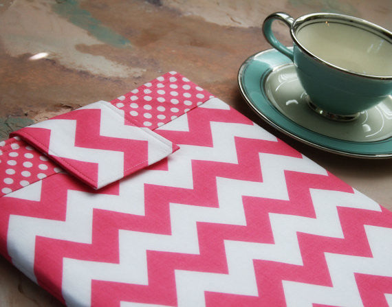 Pink Chevron Slip in iPad, kindle & Tablet Case or Macbook & Laptop Case - Oh! Koey