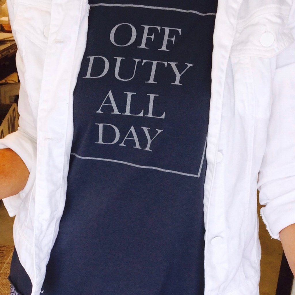 Off Duty all Day - TEE004