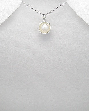 Large Pearl Solitaire Necklace