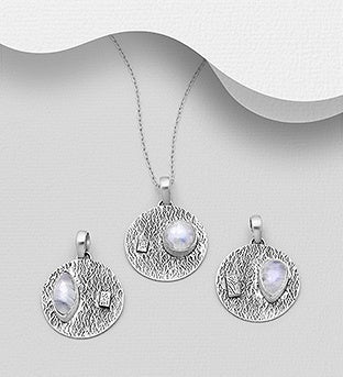 Free-Formed Moonstone Necklace