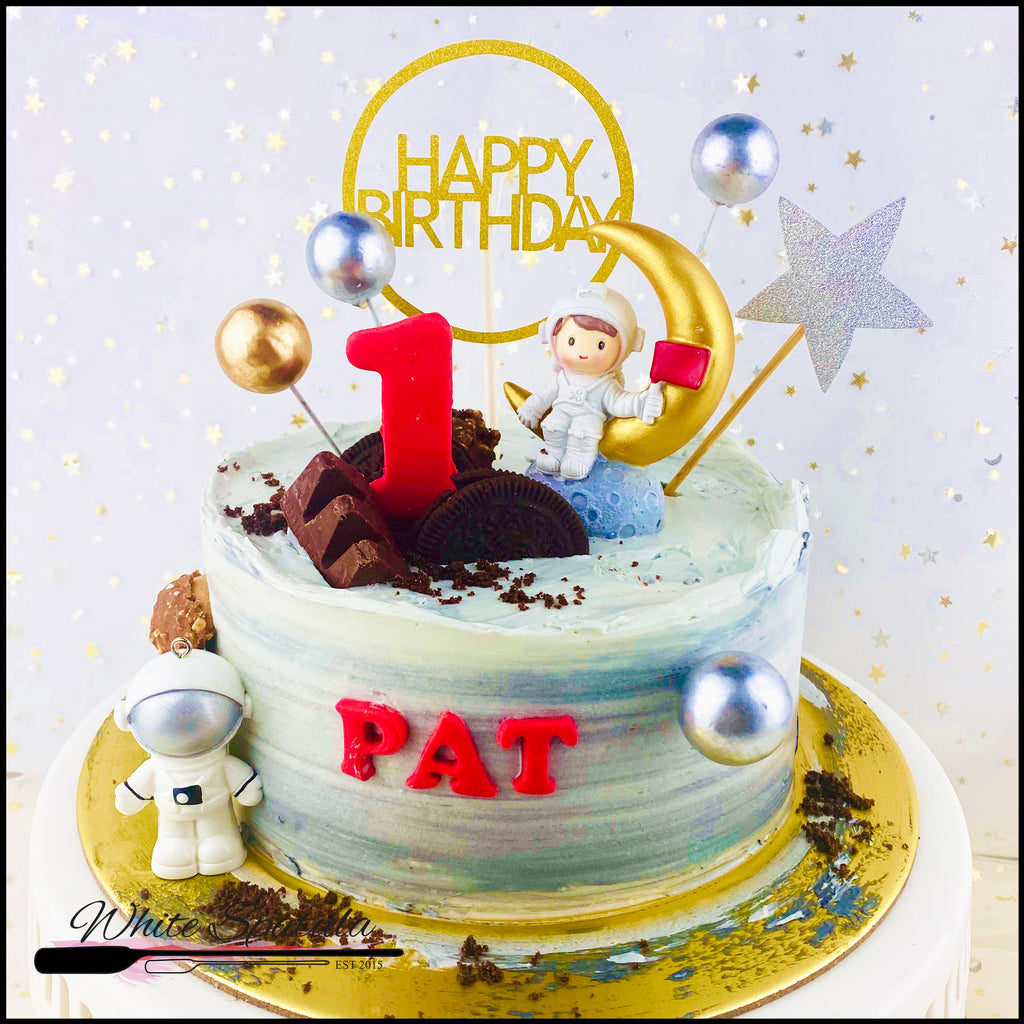 Fly Me To The Moon / Baby Astronaut Boy/Girl Buttercream Cake - White Spatula Singapore