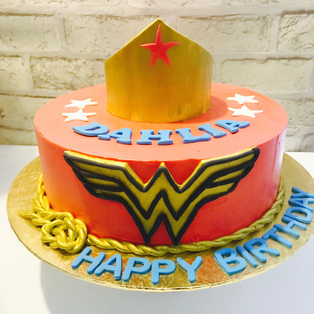 Wonder Woman Buttercream Cake
