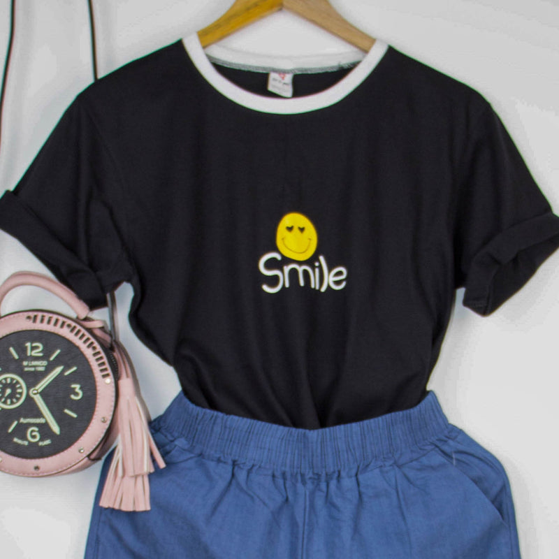 'Smile' T-Shirt Women's Clothing - Korean Fashion