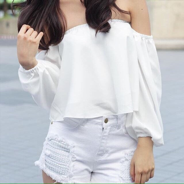 Balloon Hanging Off Shoulder Top Women's Clothing - Korean Fashion