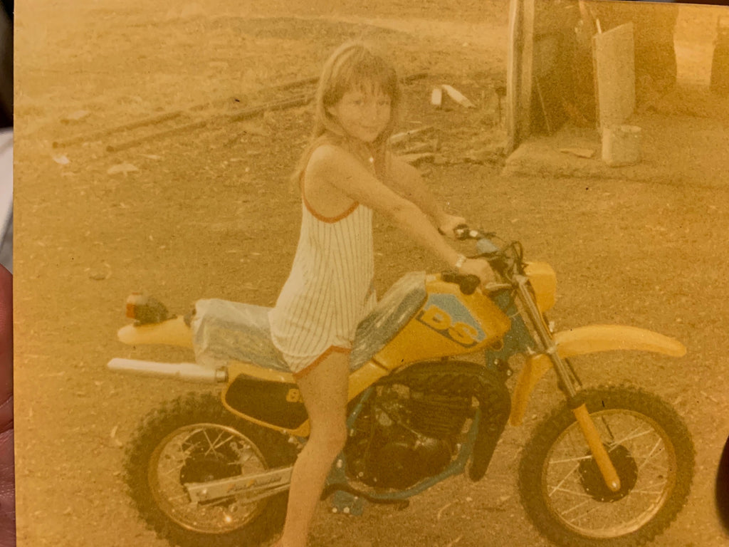Zoe Swain riding as a child - Moto Femmes Australia