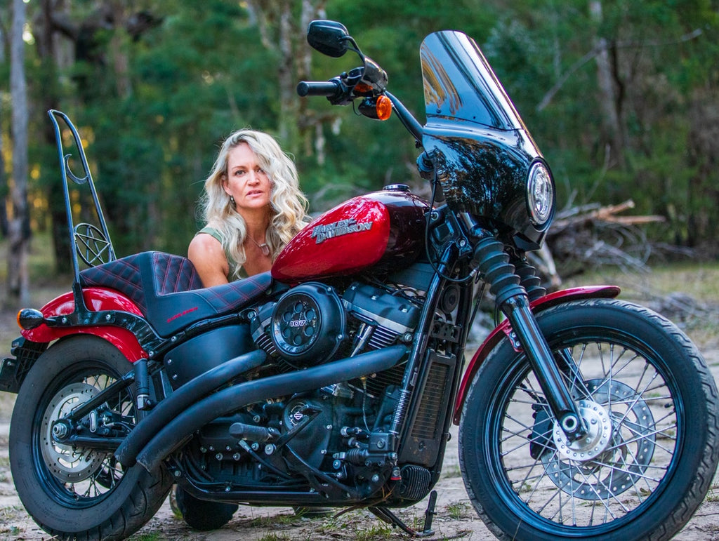 Zoe Swain with er Harley StreetBob Motorcycle - Moto Femmes Australia
