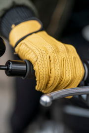 yellow leather motorcycle gloves online at Moto Est.