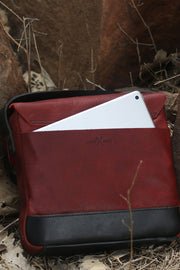 Buy the trip machine messenger bag cherry red online at Moto Est. Australia 3