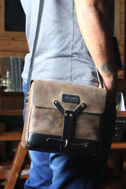 Buy the trip machine messenger bag tobacco online at Moto Est. Australia 5