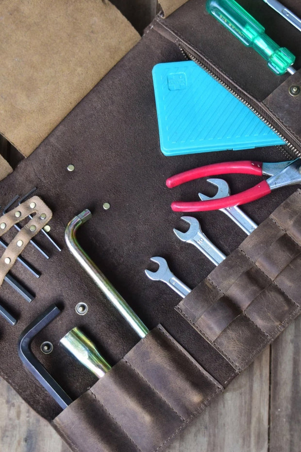 Buy the tool roll all tobacco online at Moto Est. Australia 6