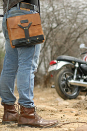 buy the trip machine tan leather messenger bag online at moto est Melbourne Australia