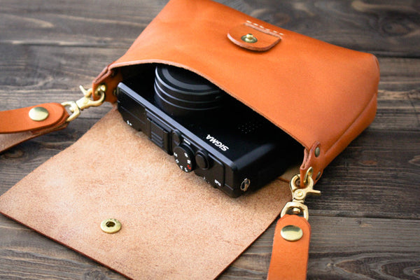 Leather Belt Pouch - Compact Digital Camera