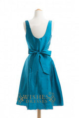 A-line V-neck Taffeta Knee Length Bridesmaid Dresses AM318