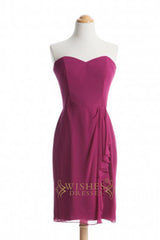 A-line Red Satin Short Bridesmaid Dresses With Short Sleeves AM354