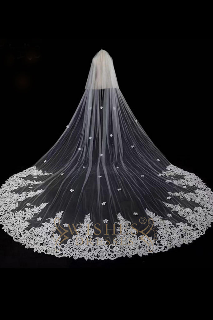 3.8 m White Long Veil With Lace Applique V17003